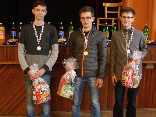Nejlepší mladí hráči (zleva: Jakub Probošt, Matěj Prokop, Martin Borýsek; autor: Miroslav Osouch)