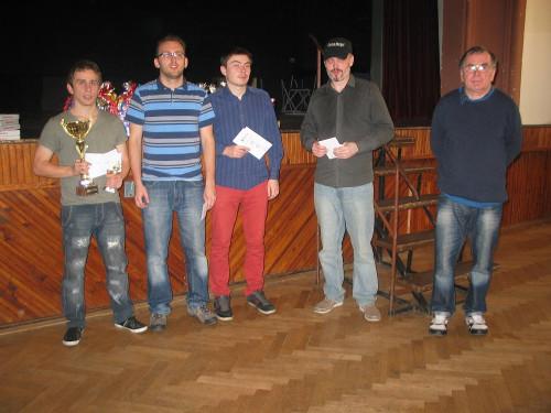 Pětice nejlepších (zleva): IM Vojtěch Plát, IM Jaroslav Bureš, FM Kirill Burdalev, FM David Holemář a IM Pavel Zpěvák.