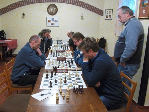Pohled na zadní šachovnice (autor: Dušan Dobeš)