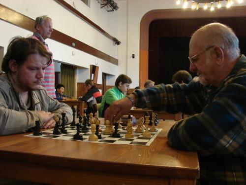 Domácí souboj mezi Janem Havlem (vlevo) a Vlastimilem Brdou (autor: Miroslav Osouch)